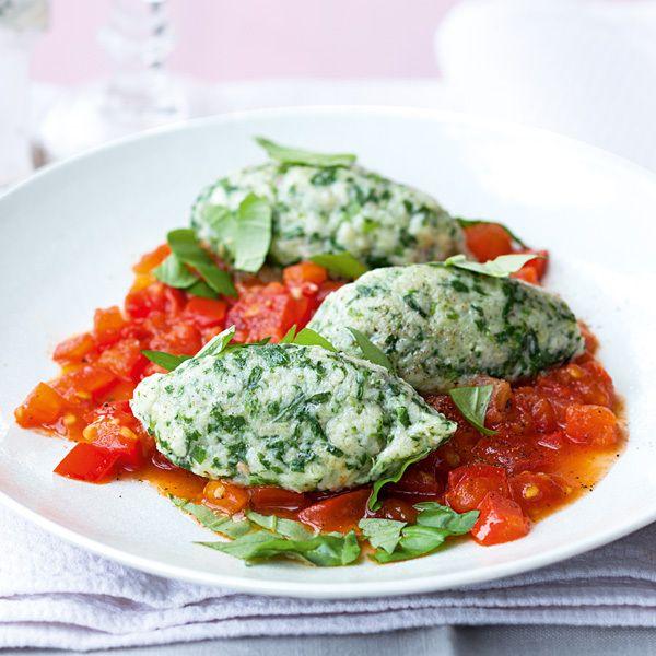 Rezept für Spinatnocken mit geschmolzenen Tomaten | Küchengötter