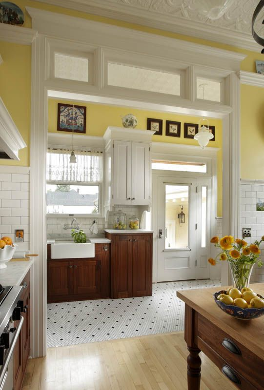 Anna S Sunny Vintage Kitchen Portland Reminds Me Of An Old Turn Of The Century Farmhouse Love The Mix Between Country And Vintage Butter Yellow