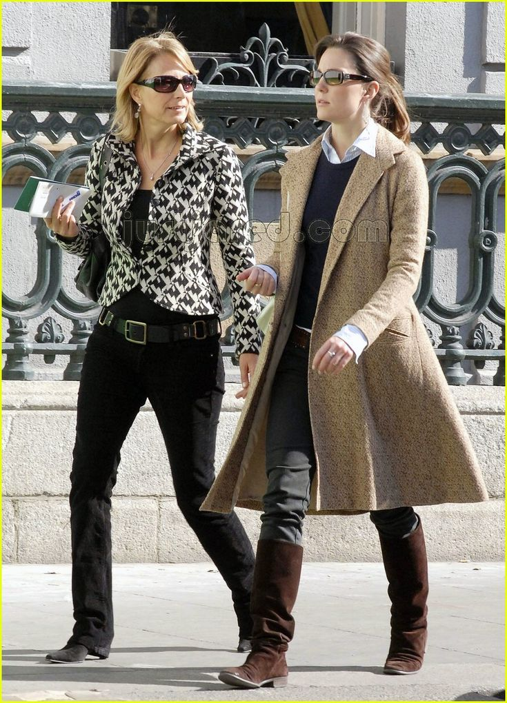 First week of April, 2007, just before the split, Kate walks with her mother in Dublin, Ireland.