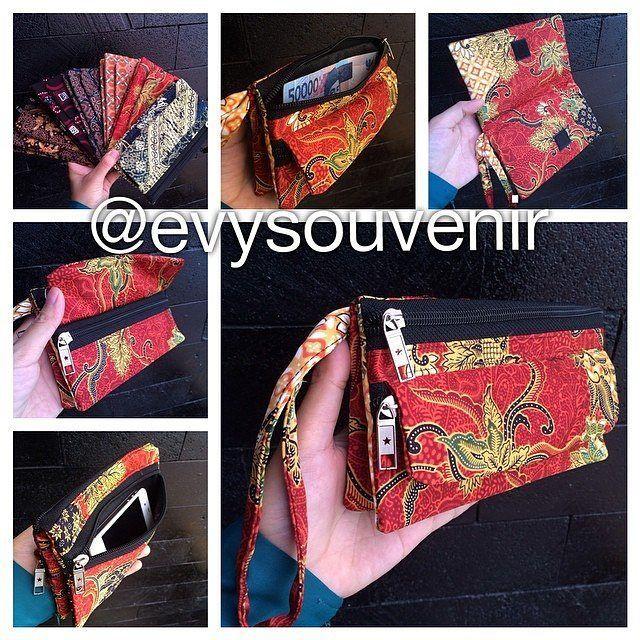 "8 Likes, 1 Comments - WEDDING SOUVENIR MURAH (@evysouvenirmurah) on Instagram: ""Dompet Lipari, dompet batik motif dan warna campur, terdapat 3 resleting , satu terdapat…"""