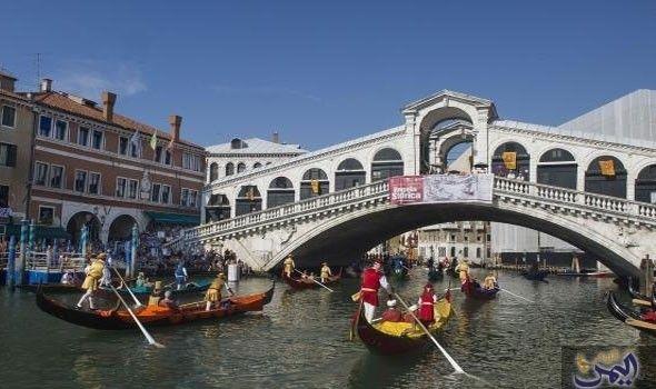 استمتع بتجربة فريدة وساحرة في مدينة البندقية الإيطالية Venice City Tourist