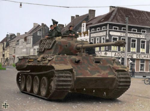 Panzer V  Ausf A  Panther  in color photo showing real color palet of the vehicle.