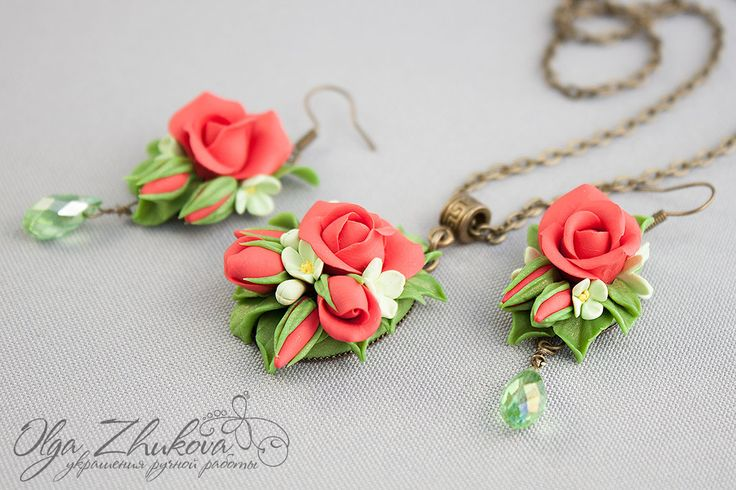 Colgante y pendientes con rosas de arcilla de polímero por polyflowers