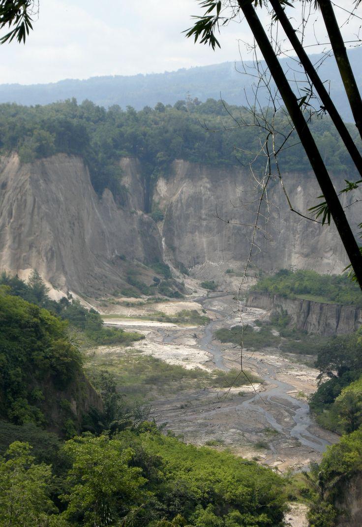 Ngarai Sianok - Bukittinggi, Sumatra, Indonesia - by selmadisini 2008