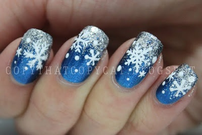 Blue snowflake nails with a gradient. WowCopy Cat, Nails Art, Winter Holiday, Blue Snowflakes, Hair Nails Makeup, Christmas Holiday, Christmas Snowflakes, Winter Nails, Snowflakes Nails