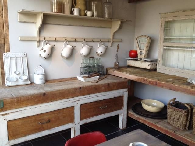 Country style kitchen setting with old and new items - #WoonTheater Blaasveld