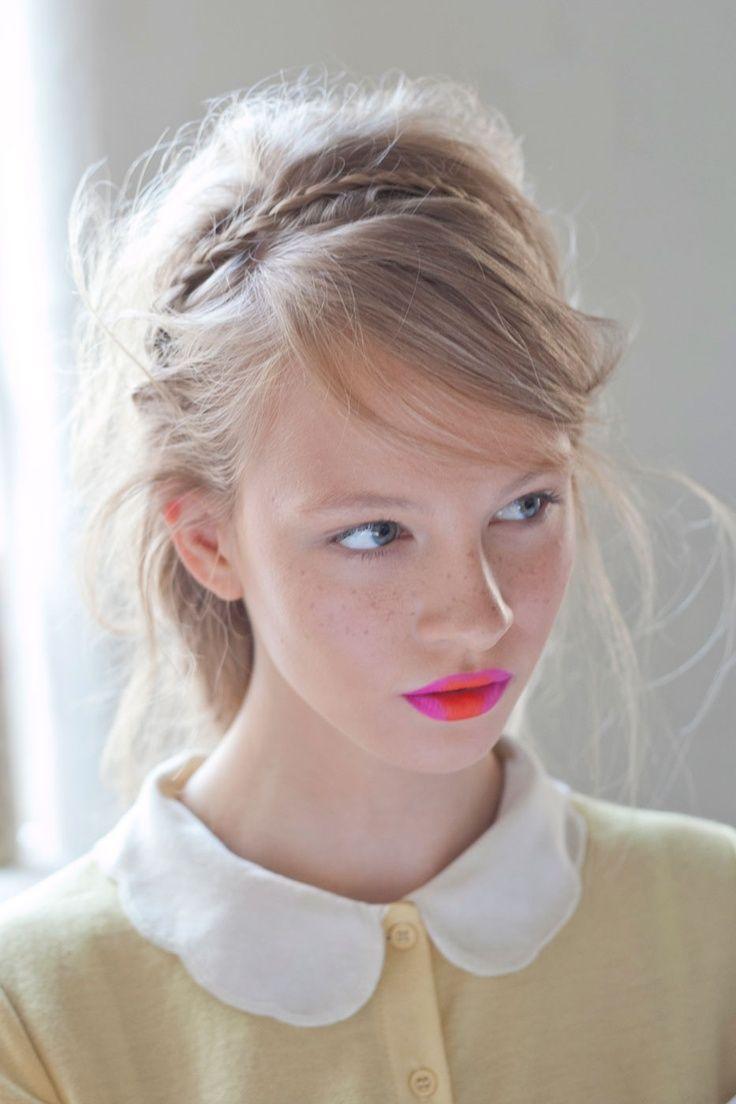 mix those lipsticks. Blonde. Half updo.