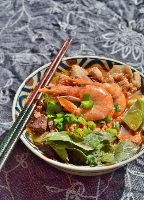 Recipe: Bún riêu (Vietnamese rice noodle dish)