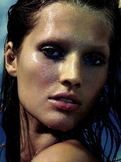 メイク崩れが気になる なんとかしたい顔汗の原因と対処法