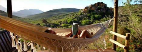 #Cederberg, #South Africa 28kms from Clan William in the Cederberg region is Gecko Creek Lodge. It's a quaint self-catering camp on a 500ha private nature reserve bordering the Cederberg Reserve. Gekko Creek has and a swimming pool with a view. The camp organises #hiking, #fishing, #horseback riding and scenic flights. #overland #campsite