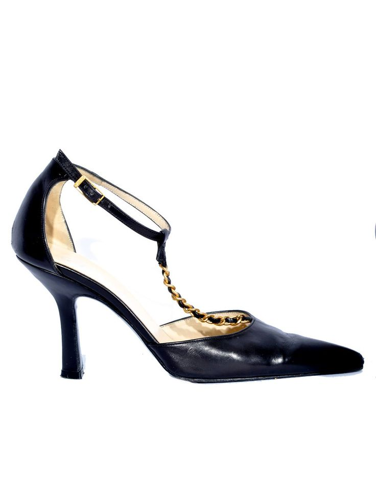 Chanel | Pointed Chain Leather Pumps in black www.sabrinascloset.com