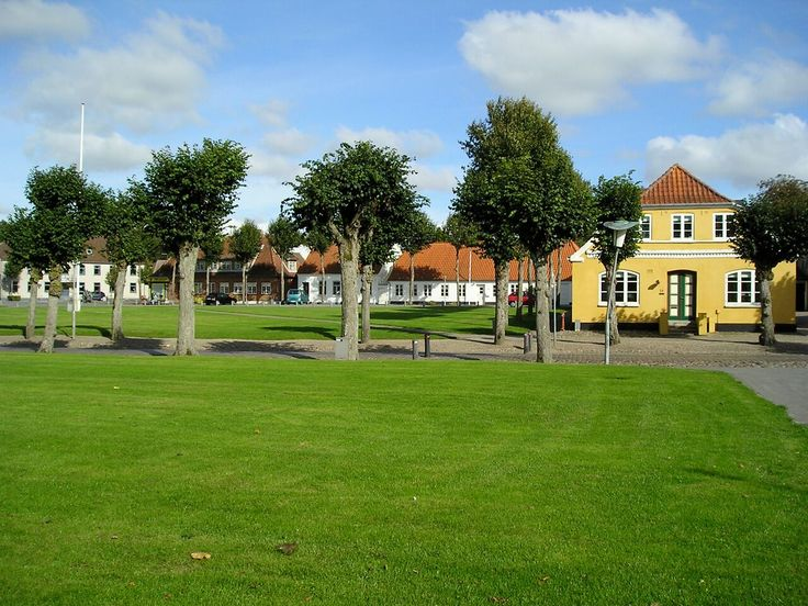 "In Løgumkloster you can have a wedding in romantic surroundings. You can take a stroll through the thousands of flowers which grow in the town centre. And look at the town life from ""Kyssebænken"" (the kissing bench). Løgumkloster is made for love. #toenderweddings #tønderweddings #tønder #toender #løgumkloster #denmark #scandinavia #thelandoflove #wedding #weddinglocation #venue #culture #nature #history #thekissingbench #kyssebænken #church #largestglockenspiel #nordiccountries"