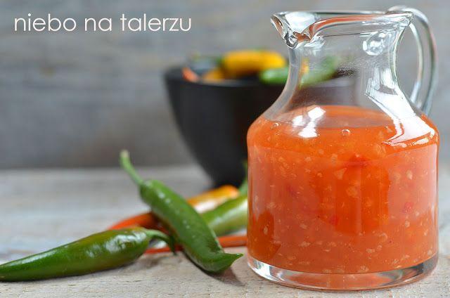 Sos chili, słodko - kwaśny, gęsty, przeźroczysty, znany z azjatyckich barów i restauracji. Tańsza i znacznie zdrowsza wersja sklepowego produktu.
