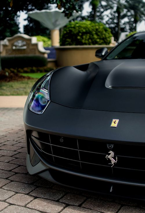 NOIR Black Beauty :: Black Matte Ferrari