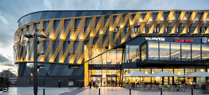Industrie-Reminiszenzen: Shoppingcenter Hofgarten Solingen-DETAIL.de