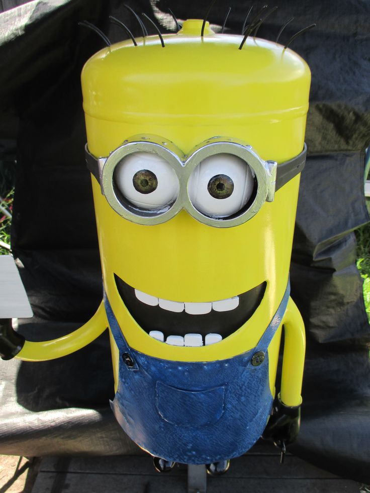Minion letterbox nears completion. A concrete pad and heavy chain now being prepared at the street.