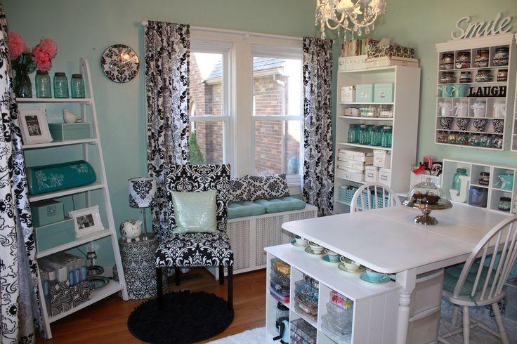 Beautiful craft room!