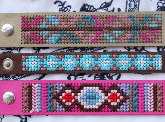 Ibiza style: DIY Bohemian embroidered bracelets. By Handwerkjuffie.