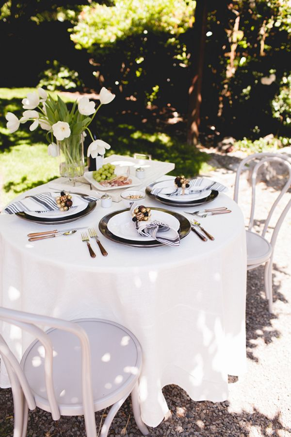 how to set a wine country inspired tabletop in your own backyard | coco+kelley