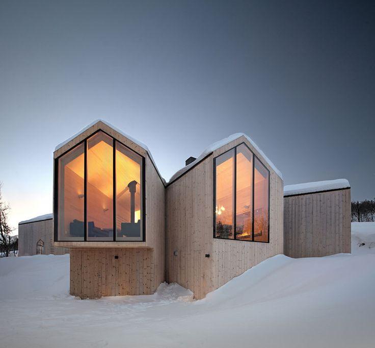 Split View Mountain Lodge by Reiulf Ramstad Architects