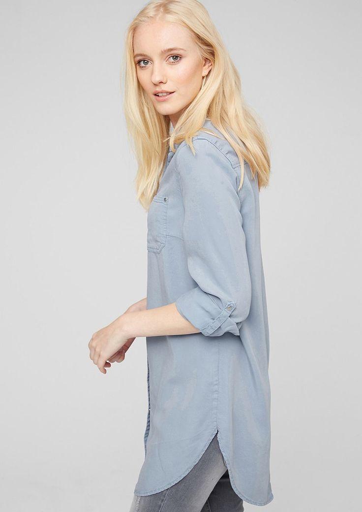 Longbluse In Denim-Optik mit heller Waschung. Mit Kragen und durchgehender Druckknopf-Leiste. Eine aufgesetzte Brusttasche. Ärmel mit Druckknopf-Manschette und Turn-up-Funktion. Abgerundeter Saum. Lockere Passform; Rückenlänge bei Größe 36 ca. 91 cm. Leichter, weicher Twill. Die lässige Longbluse im Jeanshemd-Style kann toll zu schmal geschnittenen Hosen aber auch solo als Kleid getragen werden...