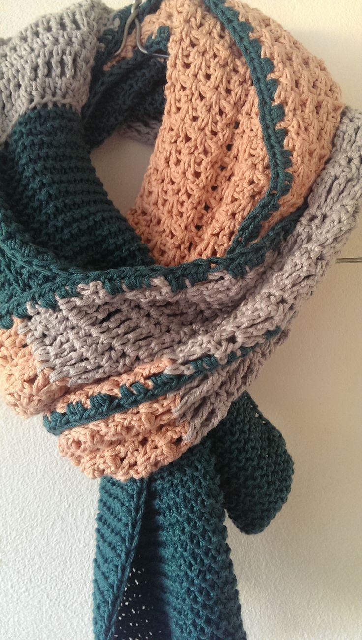 Maart Sjaal 79 euro  ook leverbaar in andere kleuren 180x20cm info@bureauvossen.nl