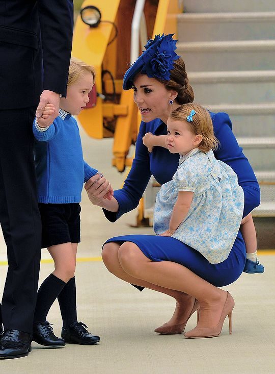 24 September 2016 - Royal Tour to Canada - Kate with William and Charlotte