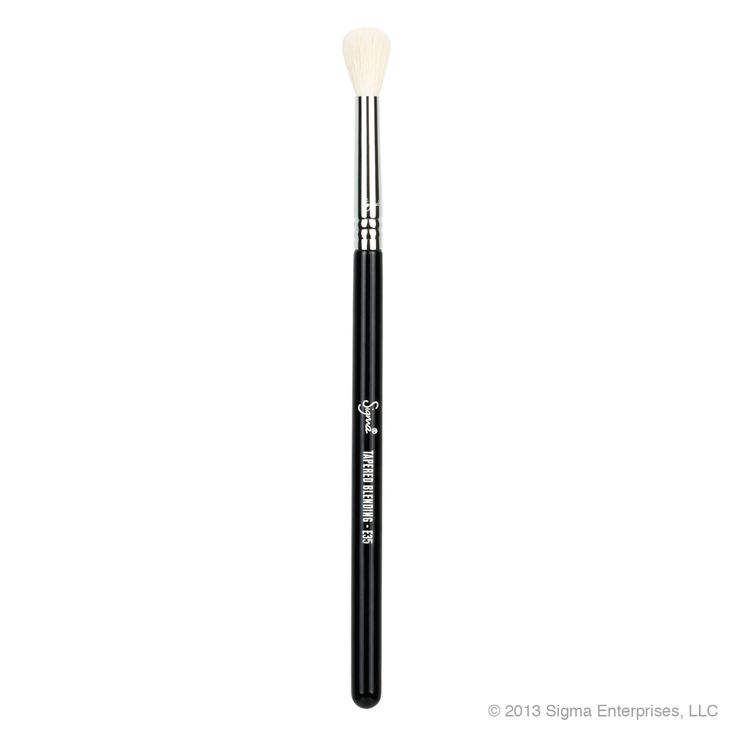 E35 - Tapered Blending best for overall blending on eyeshadow