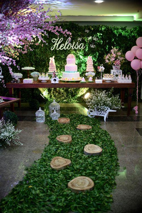 Linda festa, tema Jardim Encantado
