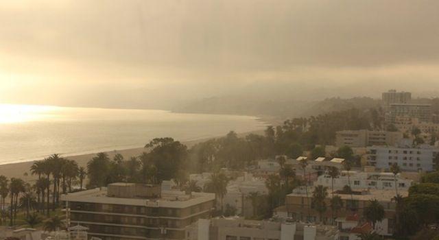 Happy hour com vista de Los Angeles  no Huntley Hotel