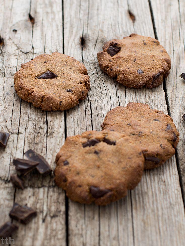 true taste hunters - kuchnia wegańska: Amarantusowe ciasteczka z masłem orzechowym i czekoladą (wegańskie, bezglutenowe, bez cukru)