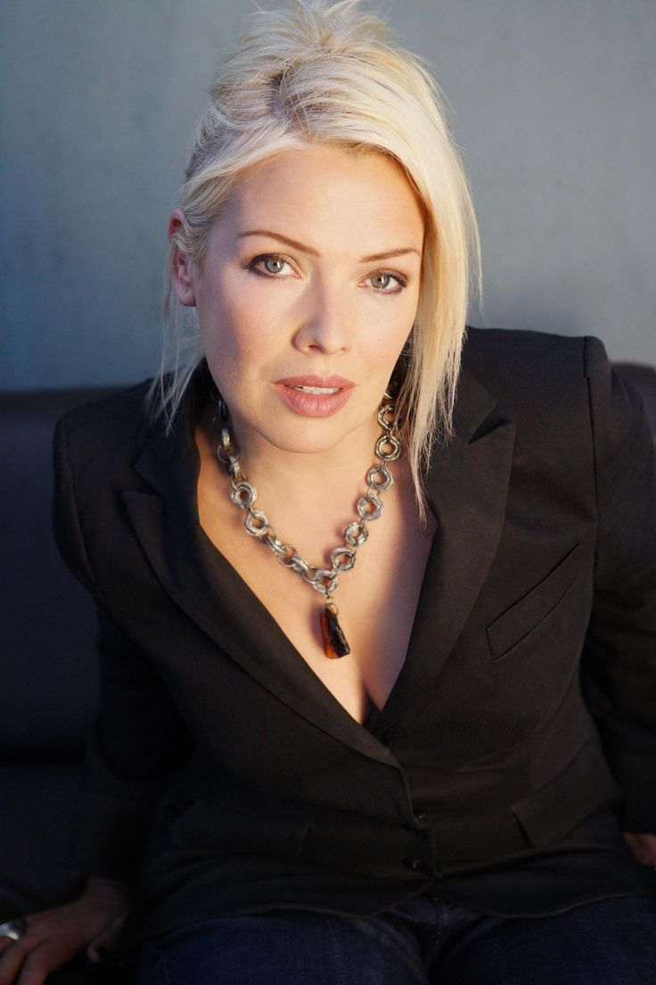 Kim Wilde     Loved her style back then!!