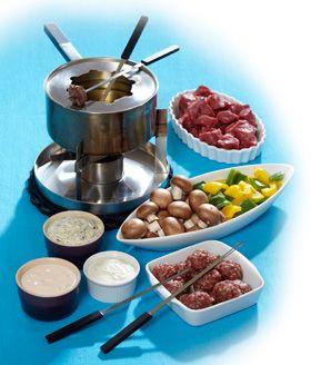 Find fonduegryden frem fra gemmerne og saml venner og familie til en hyggelig middag omkring fonduen