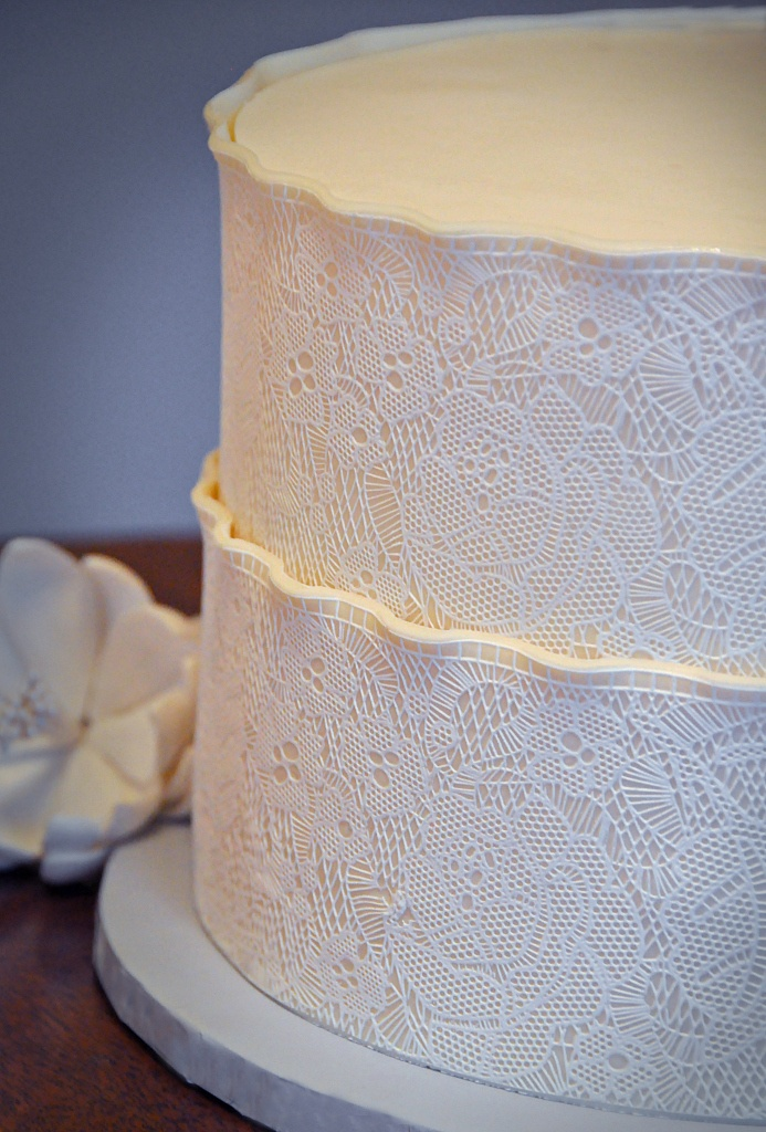 how to make lace with fondant