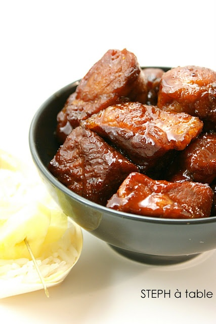 Porc au caramel - Ingrédients 750 g de filet de porc 6 cuillères à soupe de…