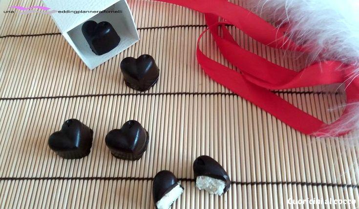 Cuoricini al cocco, la ricetta la trovi qui --->  http://blog.giallozafferano.it/weddingplanneraifornelli/cuoricini-al-cocco/