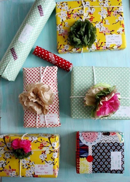 Floral and polka dot wrapping papers. Tissue paper flowers. E x