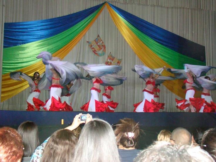 Gala Al Nujun 2012 BellyTucada. Danza con velo. Foto: Lilian Reyes
