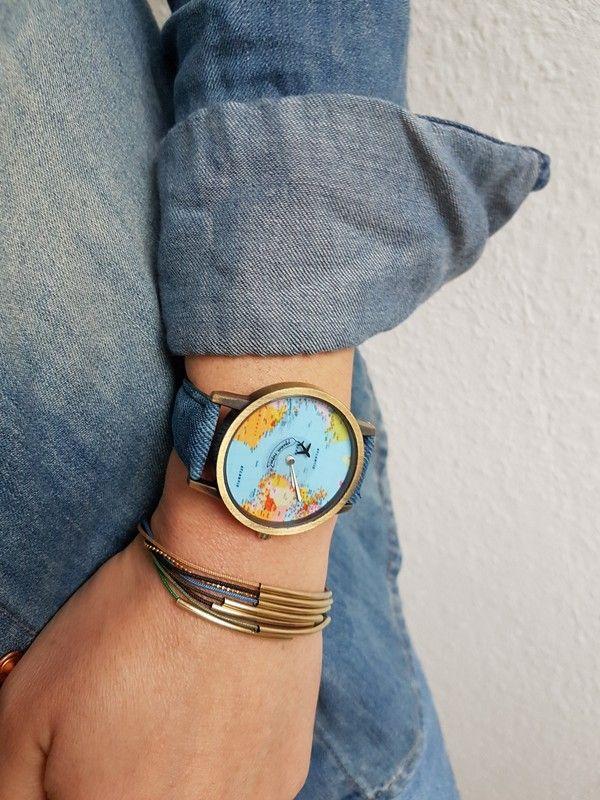 Schöne neue Uhr mit Flugzeug- Sekundenzeiger
