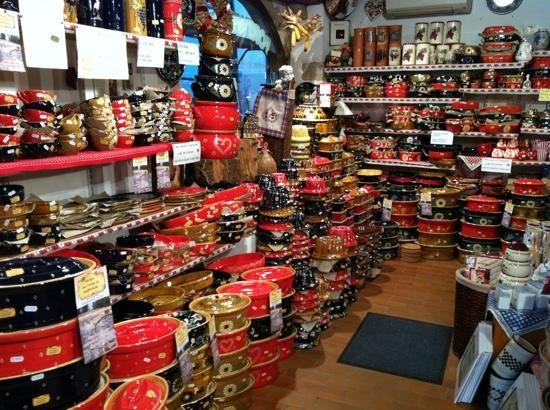 """les belles poteries du magasin """"poterie du Terroir"""""""