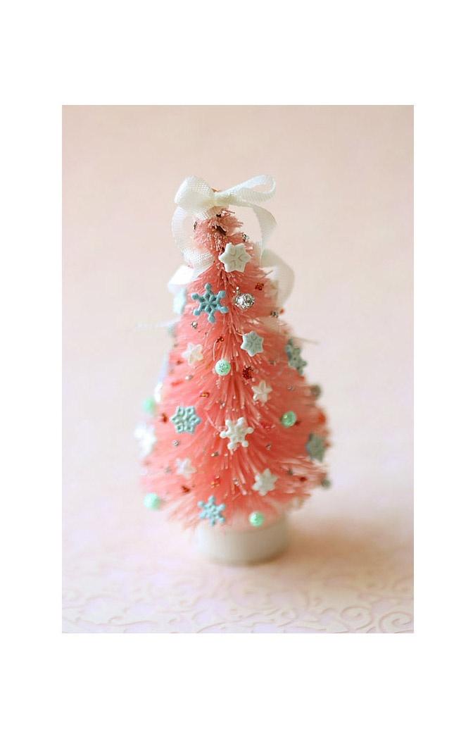 Dollhouse Miniature Pink Christmas Tree 1:12 Dollhouse Scale.. so adorable!