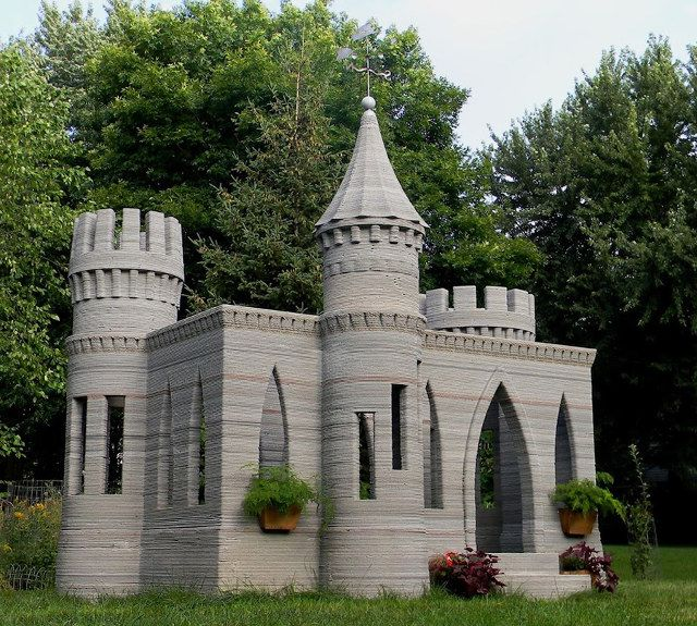 3d-printed-concrete-castle-1.jpg crazy! this guy figured out how to 3d print concrete and made a castle playhouse for his kid!