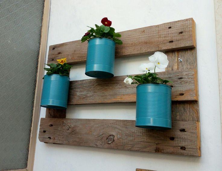 Porta fiori pallet e barattoli di latta verniciati fai da te DIY