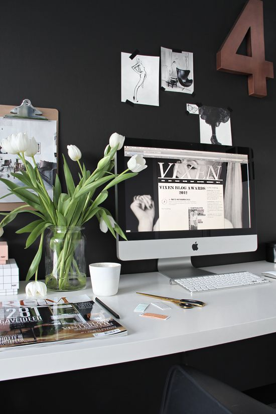 workspace black