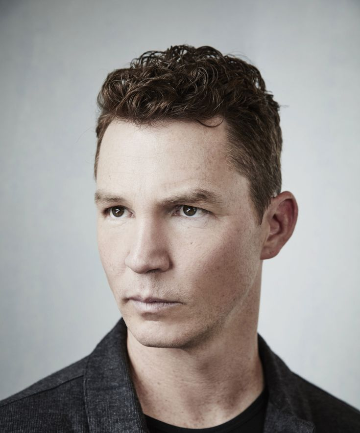 The Overhead Compartment with Shawn Hatosy - http://fascinatingtraveldeals.com/the-overhead-compartment-with-shawn-hatosy/