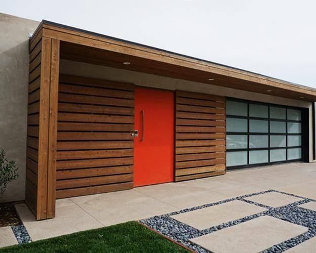 Mid Century Modern Garage Doors With Windows Steel Glass Garage Door And Red Painted Front Door Caraterbaru With Images Modern Garage Doors Modern Garage Garage Door Decor