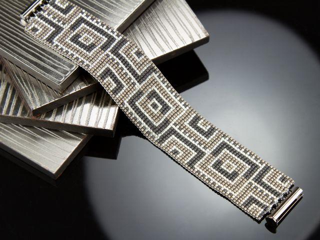 Hypnotic Blocks Bracelet -- free pattern for loomed bracelet (downloadable pdf for design pattern)
