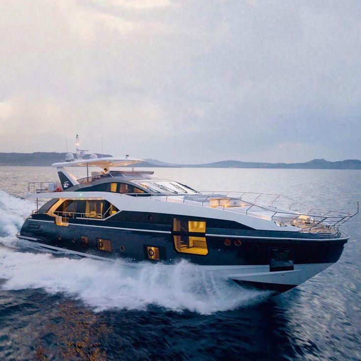 @theyachtguy  Making waves and Turing heads The new Azimut 27 Metri. @seasdeserts for details . @azimut_yachts #yachtingnow #yacht #yachting #yachts #yachtmaster #yachtlife #yachtinglifestyle #yachtslife #boat #boating