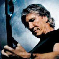 """Roger Waters sera en spectacle au Centre Bell, à Montréal, le 26 juin 2012.    Ce concert de l'ancien leader du groupe PinkFloyd s'inscrit dans la tournée soulignant le 30e anniversaire de l'album mythique du groupe anglais """"The Wall"""".    Le dernier passage de Roger Waters au Québec remonte à octobre 2010, alors que le chanteur et guitariste avait notamment interprété l'album """"The Wall"""" en intégral."""