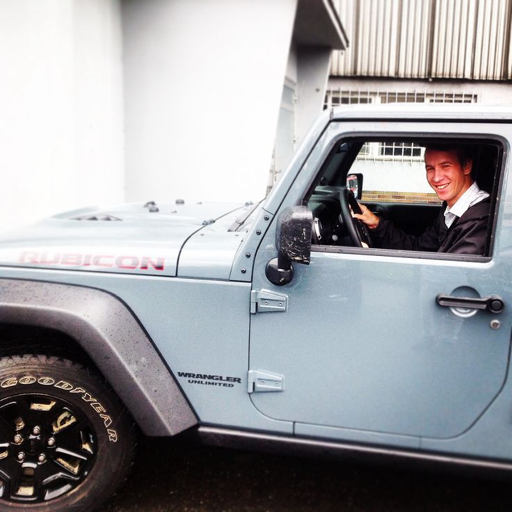 Monday classic - Jeep Wrangler Unlimited testdrive in Prague. Awesome off-road vehicle!